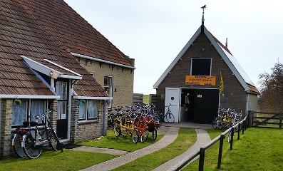 bicycle rentals Oosterend